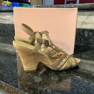 Bandolino Cork wedges size 9M EEUC TAN/GOLD